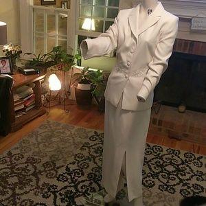 Dress Barn ladies cream white skirt suit